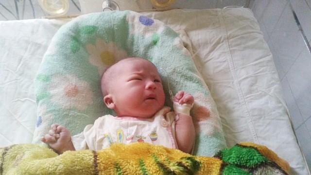 Cứu sống thai nhi và sản phụ mang thai ngoài tử cung cực hiếm